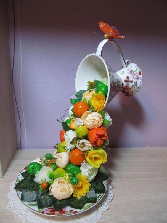 полная ваза цветов