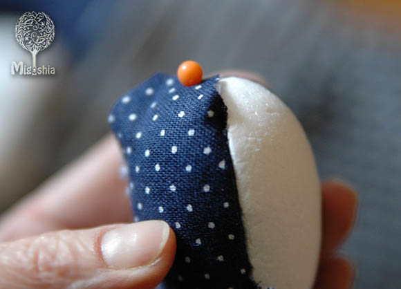 kusochek tkani v razreze na yajce