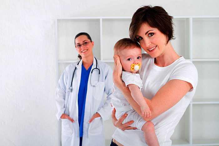 педиатр и мама