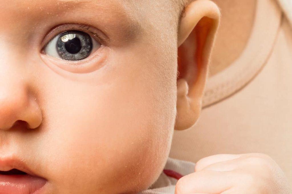цвет глаз ребенка