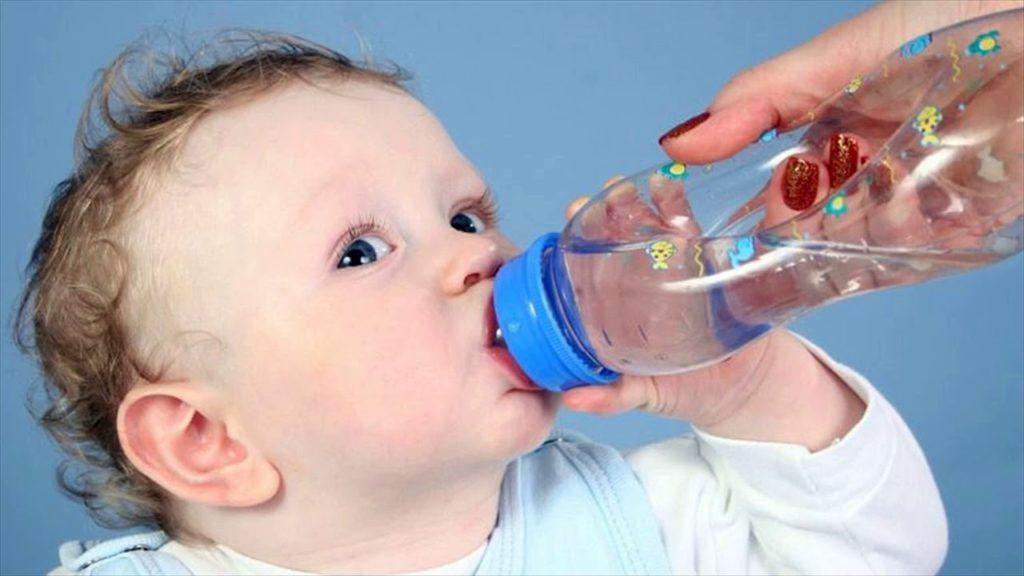 допаивание грудничка водой
