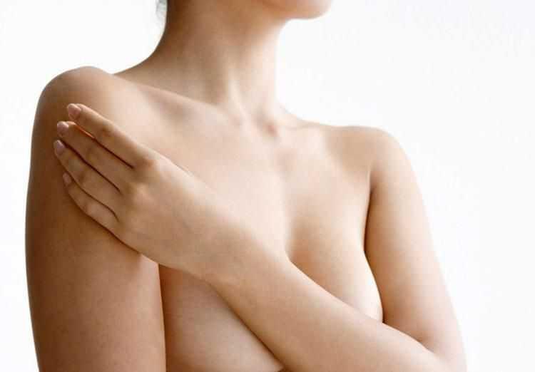голая грудь