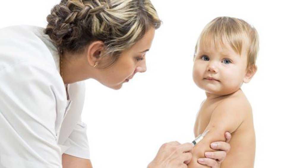 прививка младенцу