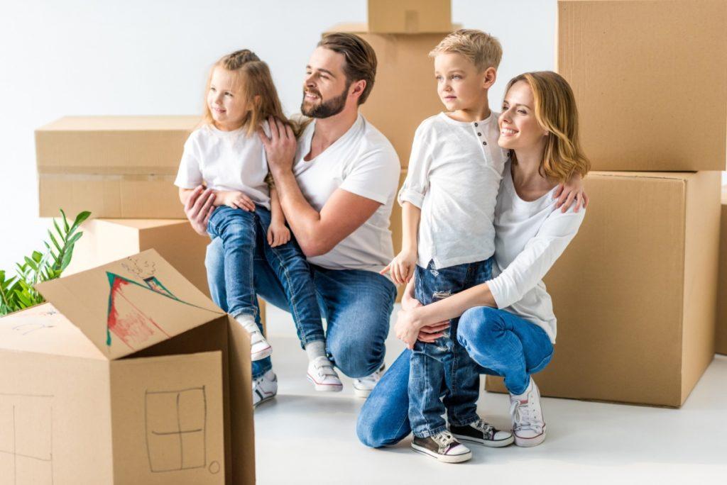 семья и новый дом