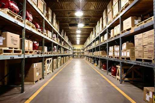 По каким критериям выбирать склад?