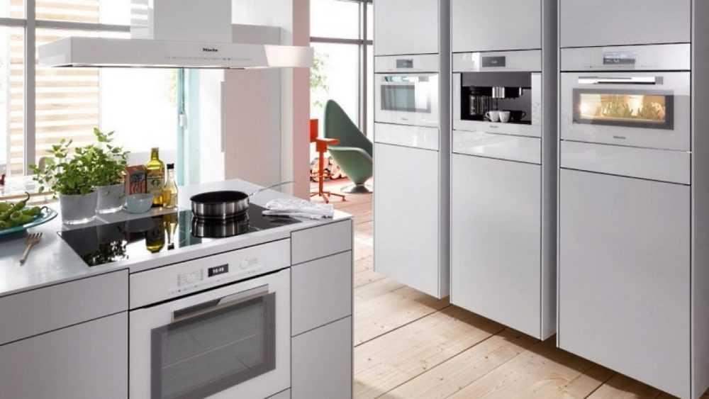 Какая современная техника должна быть на кухне?