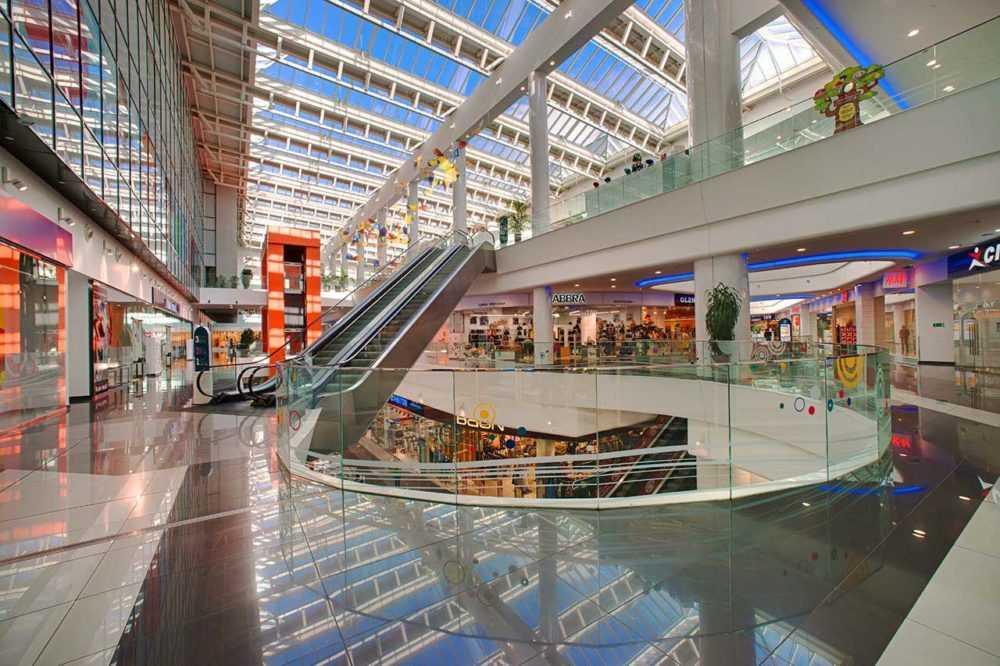 Плюсы покупок в торговом центре