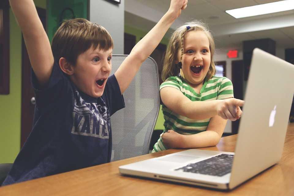 На что обратить внимание при выборе курсов программирования детям?