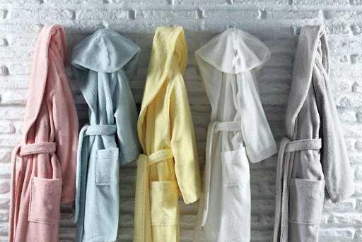 Как выбрать халат для бани?