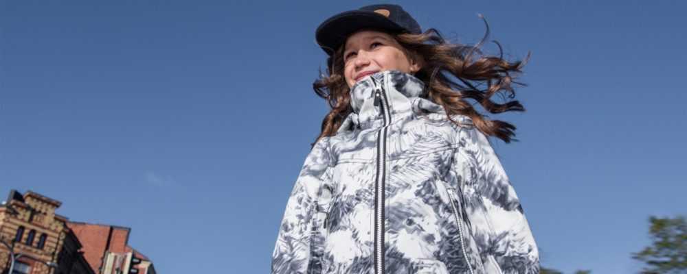 Как выбрать качественную куртку для девочки?